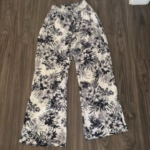 Pants - Floral flare out bottom pants size large